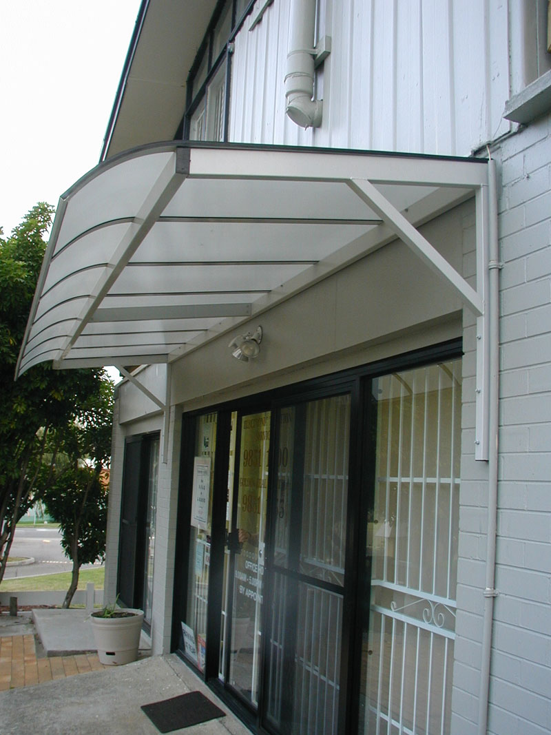 sydney cantilevered awnings